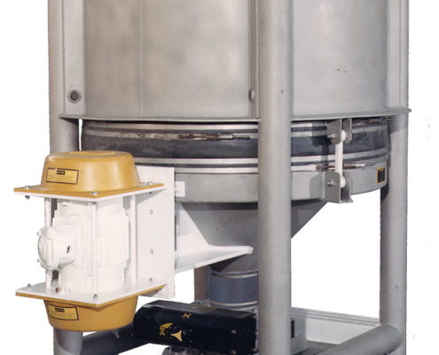 vibrating bin discharger with hopper for chemicals